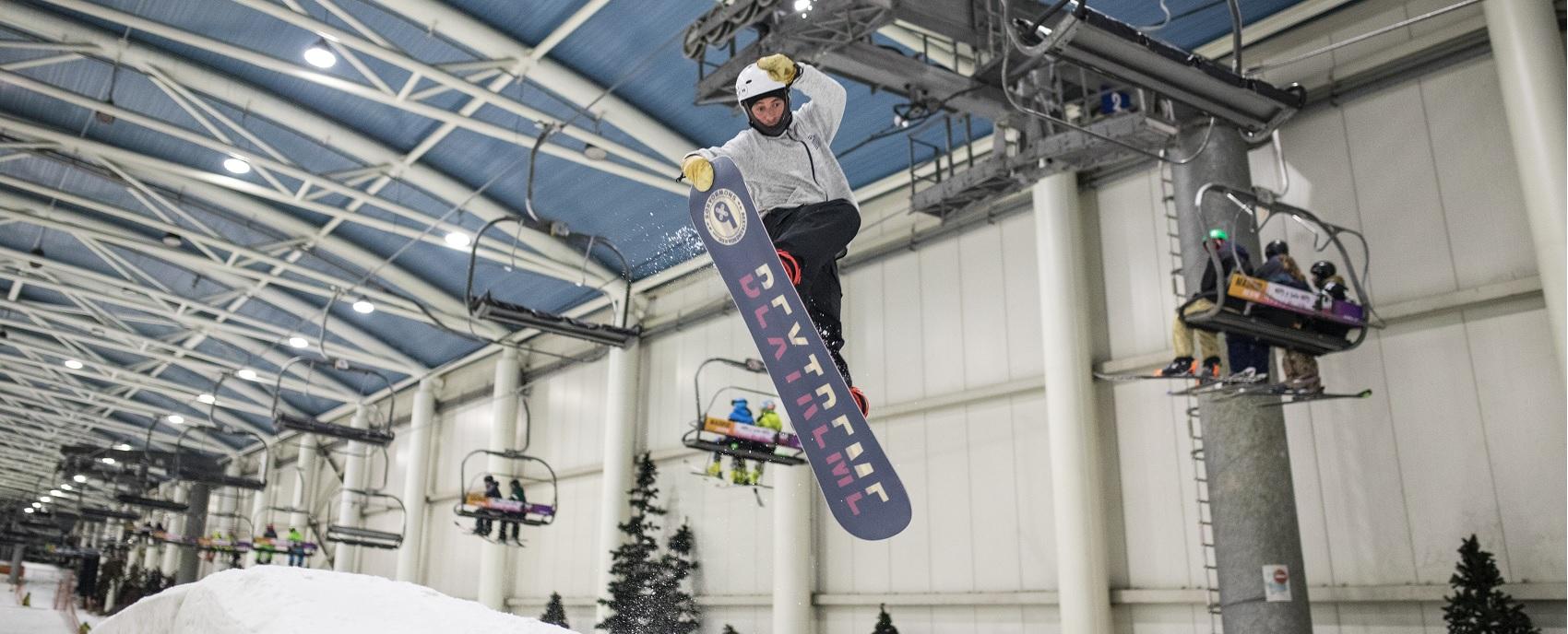 360 frontside tailgrab de Orio Asin testando snowboard BeXtreme en SnowZone